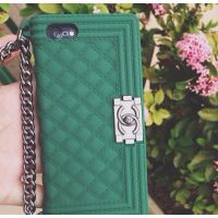 Case iPhone 4/4S giỏ xách chanel